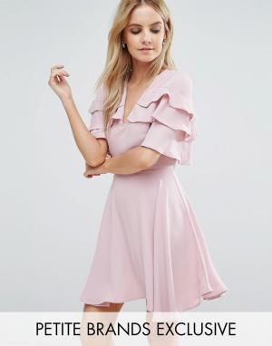 John Zack Petite Чайное платье мини с оборками на плечах. Цвет: розовый