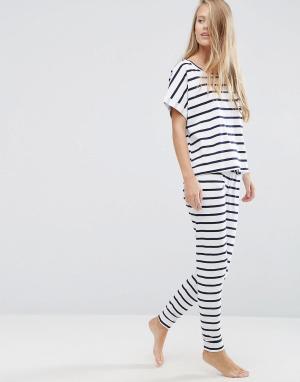 ASOS Пижама с футболкой и леггинсами в бретонскую полоску. Цвет: мульти