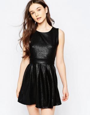 Wal G Короткое приталенное платье. Цвет: черный
