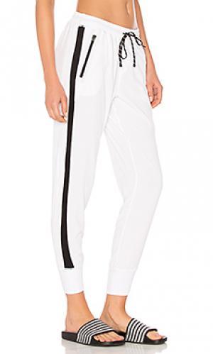Городские брюки в рубчик unwind Vimmia. Цвет: белый