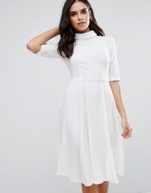 Closet London Платье-рубашка с высоким воротом и рукавами 3/4. Цвет: белый