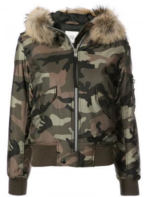 Камуфляжная куртка-бомбер Jenny Sam.. Цвет: зелёный