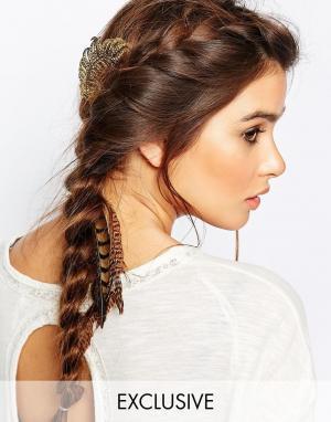 DesignB London Заколка для волос с листиком Deco. Цвет: золотой