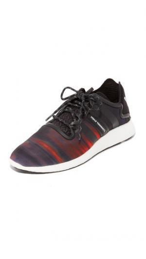 Беговые кроссовки  Yohji Y-3. Цвет: детрит/базовый черный/белый