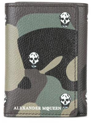 Складной бумажник Alexander McQueen. Цвет: зелёный
