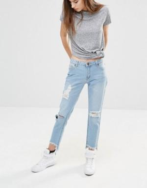 Liquor & Poker Укороченные джинсы бойфренда с асимметричными краями. Цвет: синий