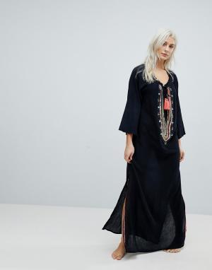 Liquorish Пляжное платье макси с кисточками Liquourish. Цвет: черный