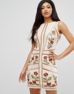 Frock and Frill Платье с цветочной отделкой. Цвет: розовый