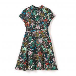 Платье с короткими рукавами и цветочным рисунком MOLLY BRACKEN. Цвет: цветочный рисунок