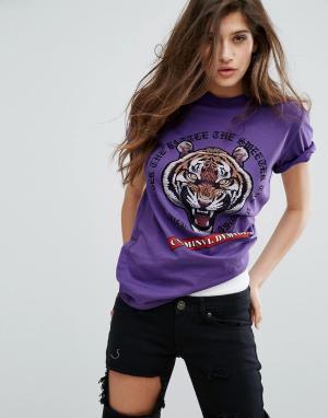 Criminal Damage Футболка с тигром. Цвет: фиолетовый