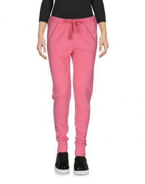 Повседневные брюки FRED PERRY. Цвет: розовый