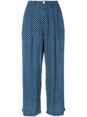 Джинсовые укороченные брюки Blue Japan. Цвет: синий