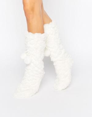 Loungeable Фактурные носки с помпонами. Цвет: кремовый