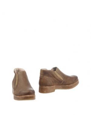 Полусапоги и высокие ботинки HANGAR. Цвет: верблюжий