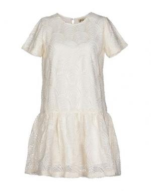 Короткое платье DRESS GALLERY. Цвет: белый
