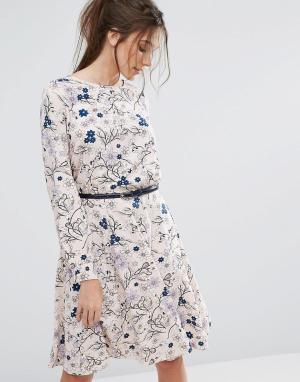Closet London Платье с длинными рукавами и поясом. Цвет: мульти