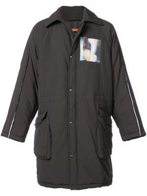 Стеганое пальто с графическими вставками Komakino. Цвет: коричневый