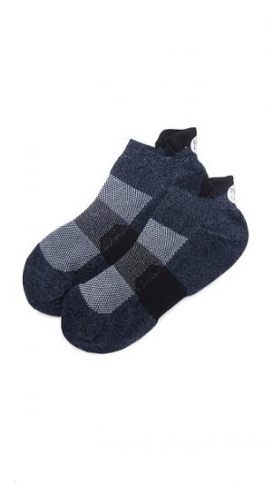 Спортивные нескользящие носки ia Pointe Studio. Цвет: голубой