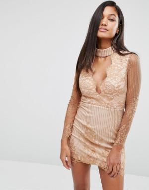 Love Triangle Кружевное платье мини с чокером и глубоким вырезом. Цвет: бежевый