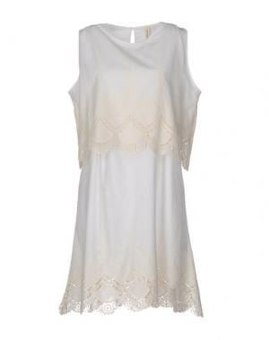 Короткое платье WETPAINT. Цвет: белый
