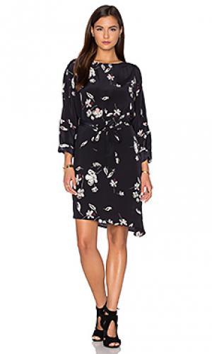 Платье кимоно elevate Viktoria + Woods. Цвет: черный