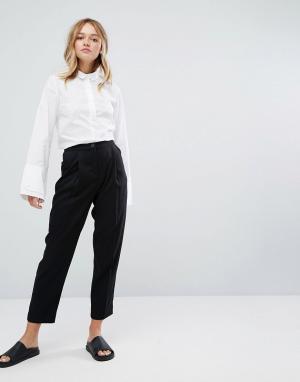 Monki Широкие брюки со складками и завышенной талией. Цвет: черный