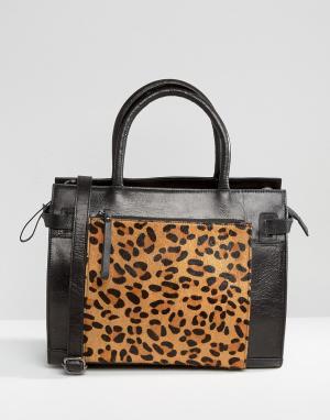 Urbancode Кожаная сумка-тоут с леопардовым принтом на переднем кармане. Цвет: черный