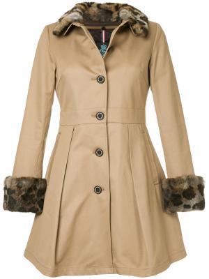 Расклешенное пальто на пуговицах Guild Prime. Цвет: коричневый