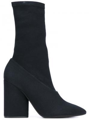 Ботинки на массивном каблуке Yeezy. Цвет: чёрный