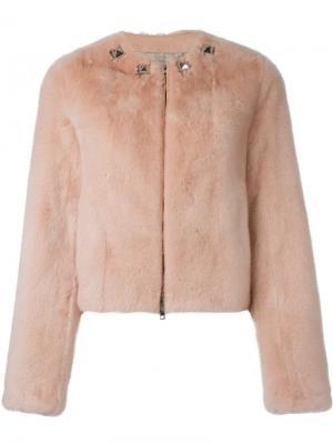 Укороченная шуба с заклепками на вороте Givenchy. Цвет: розовый и фиолетовый