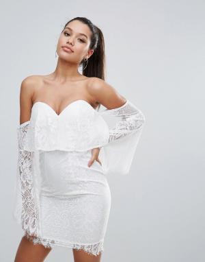 Love Triangle Кружевное платье-футляр с открытыми плечами. Цвет: белый