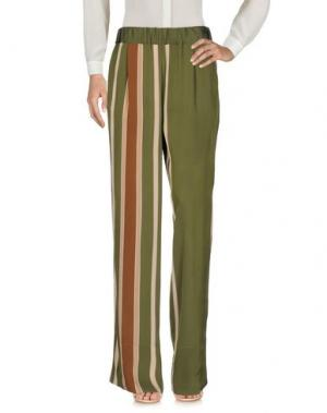 Повседневные брюки ROBERTO COLLINA. Цвет: зеленый-милитари