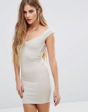 Free People Облегающее платье-комбинация. Цвет: кремовый
