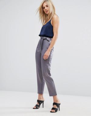 ASOS Атласные брюки-галифе с разрезами у кромки и поясом. Цвет: серый