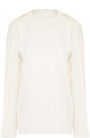 Шелковая блуза свободного кроя с драпировкой The Row. Цвет: белый