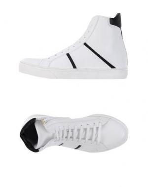 Высокие кеды и кроссовки CHANGE. Цвет: белый