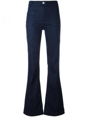 Расклешенные джинсы The Seafarer. Цвет: синий