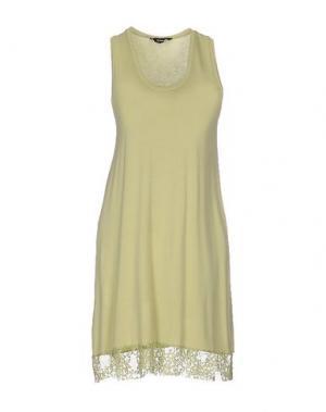 Короткое платье TO-MAY. Цвет: светло-зеленый