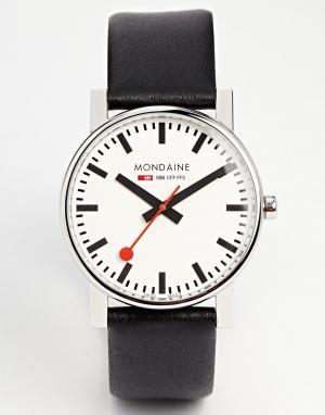 Mondaine Большие кварцевые часы на кожаном ремешке Evo. Цвет: черный