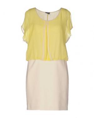 Короткое платье PF PAOLA FRANI. Цвет: желтый