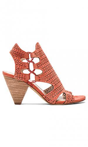Туфли на каблуке eadon Vince Camuto. Цвет: красный