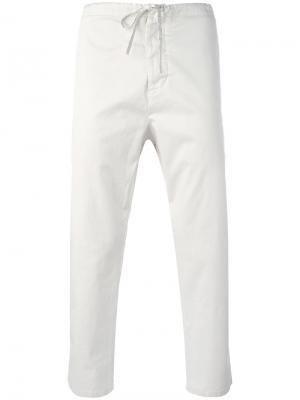 Укороченные брюки с эластичным поясом Vince. Цвет: телесный