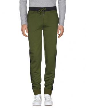 Повседневные брюки MARC BY JACOBS. Цвет: зеленый-милитари