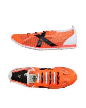 Низкие кеды и кроссовки MUNICH. Цвет: оранжевый