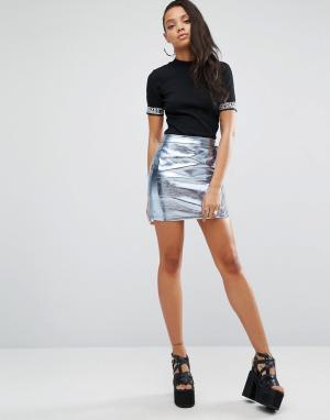 SHADE London Мини-юбка в стиле 90-х с эффектом металлик. Цвет: серебряный