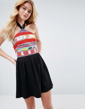 ASOS Летнее платье с вышивкой. Цвет: черный