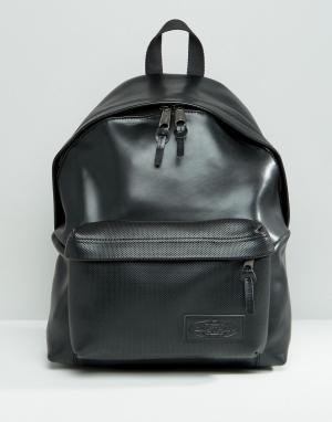 Eastpak Кожаный рюкзак с перфорацией на кармане. Цвет: черный