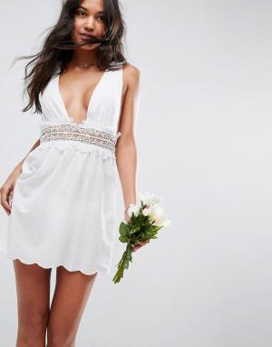 ASOS Пляжное платье с кружевной отделкой BRIDAL. Цвет: белый