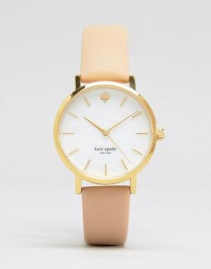 Kate Spade Часы с бежевым кожаным ремешком Metro 1YRU0073. Цвет: розовый
