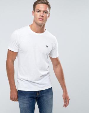 Abercrombie & Fitch Белая облегающая футболка с круглым вырезом и логотипом. Цвет: белый
